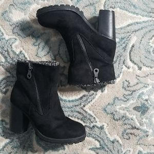 Mossimo Black Ankle Platform Boots Size 8